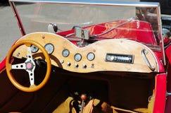 Tablero de instrumentos retro del coche Imágenes de archivo libres de regalías