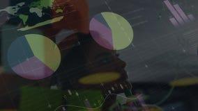 Tablero de instrumentos tecnológico rodeado por la animación de hombres de negocios almacen de video