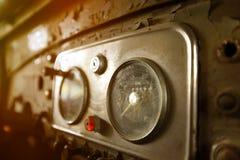Tablero de instrumentos viejo del coche Foto de archivo libre de regalías