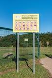 Tablero de la información en la entrada al bosque de Majik en Durbanville imagen de archivo libre de regalías