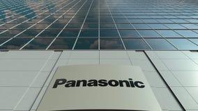 Tablero de la señalización con el logotipo de Panasonic Corporation Lapso de tiempo moderno de la fachada del edificio de oficina almacen de metraje de vídeo