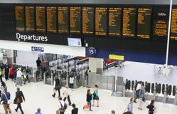 Tablero de las salidas de la estación de Waterloo Imagenes de archivo