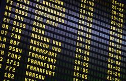Tablero de las salidas del aeropuerto Imagen de archivo libre de regalías