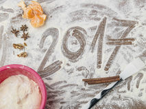 Tablero de los pasteles de las abuelas con el subtítulo 2017 Foto de archivo libre de regalías
