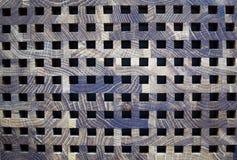 Tablero de madera gris de la textura del marrón oscuro con las casillas negras fotos de archivo libres de regalías