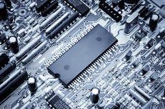 Tablero de procesador Foto macra Azul entonado Fotos de archivo