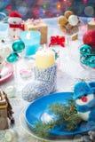 Tablero de tabla festivo de la víspera de Navidad de la Navidad que fija el muñeco de nieve del Año Nuevo Fotos de archivo libres de regalías