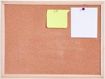 Tablero del corcho y blanco del papel en blanco aislado Foto de archivo libre de regalías