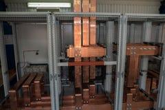 Tablero eléctrico del poder más elevado con las barras de cobre Imagen de archivo