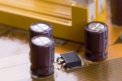 Tablero electrónico marrón del primer con la pequeña profundidad del campo 3 Foto de archivo