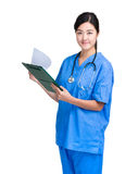Tablero femenino asiático del control del doctor Imagen de archivo libre de regalías