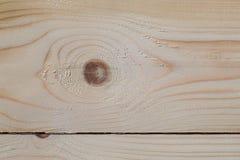 Tablero previsto del pino con los nudos fotografía de archivo libre de regalías
