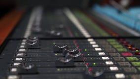 Tablero sano de Digitaces usado para mezclar audio almacen de metraje de vídeo