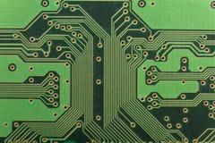 Tablero verde electrónico hermoso brillante del nise del circuito impreso imágenes de archivo libres de regalías