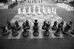 Tableros de ajedrez gigantes Imagenes de archivo