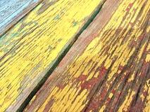 Tableros pintados en color amarillo foto de archivo libre de regalías
