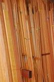 Tableros que bordean, moldeados del arquitrabe y marcos de madera Foto de archivo
