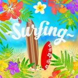 Tableros que practican surf en la playa, plantilla de la tarjeta del vector Imagenes de archivo