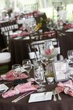 Tables de mariage mises pour diner fin Photo libre de droits