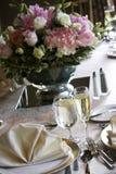 Tables de mariage mises pour diner fin Image libre de droits