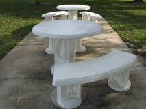 Tables de pique-nique extérieures Photos libres de droits