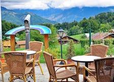 Tables et chaises en bois Image stock