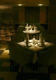 Tables servies par restaurant Images libres de droits