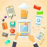 Tablet-Anwendungs-Geschäftsmann-Handtouch Screen Stockfotos