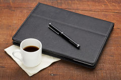 Tablet computer with coffee Royalty Free Stock Photography