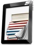 Tablet-Computer mit Seiten und Büchern Stockfoto