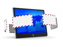 Tablet en envelop op witte achtergrond Stock Foto's