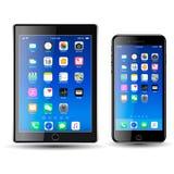 Tablet en Mobil-Telefoon met Pictogrammen, het blauwe scherm stock fotografie