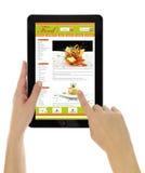 Tablet met geïsoleerde het malplaatje van de receptenwebsite Stock Afbeeldingen