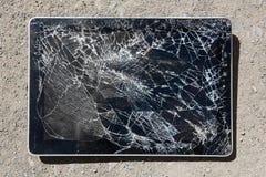Tablet met gebroken vertoning Royalty-vrije Stock Foto's