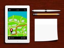 Tablet met gps navigatietoepassing, pen, potlood en kleverig n Stock Afbeeldingen