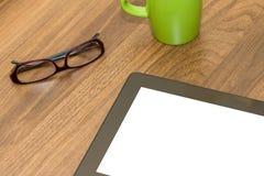 Tablet met het Lege Scherm op Lijst Stock Fotografie