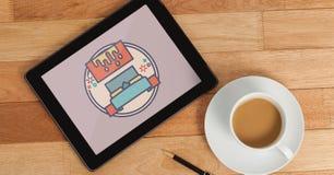 Tablet met reispictogram op het scherm Royalty-vrije Stock Foto's