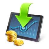 Tablet mit Münzen und Pfeil, der auf Diagramm zeigt Stockfotografie