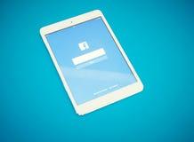 Tablet mit Sozialem Netz Facebook auf blauem Hintergrund Stockfoto