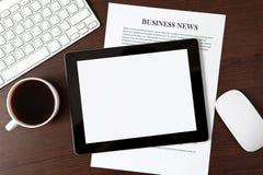 Tablet op de lijst van een zakenman Royalty-vrije Stock Foto's