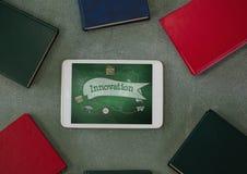 Tablet op een schoollijst met schoolpictogrammen op het scherm Royalty-vrije Stock Afbeelding