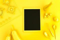 Tablet pc com coleção dos vegetais e dos utensílios da cozinha Fotografia de Stock Royalty Free