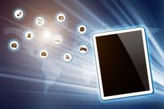Tablet-PC mit Ikone auf Technologiehintergrund Stockfotografie
