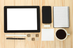 Tablet PC y teléfono elegante con las fuentes de dirección de la escuela Fotos de archivo