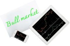 Tablet, Smartphone und Papier mit TextHausse ist lokalisiertes O stockfotos
