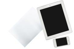Tablet, Smartphone und Papier wird auf transparentem lokalisiert lizenzfreie stockbilder