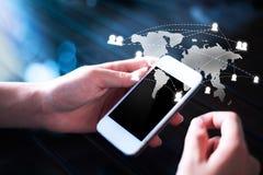 Tablet und Telefon mit Stift Stockfotografie