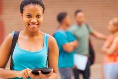 Tableta africana del estudiante universitario Imagen de archivo libre de regalías