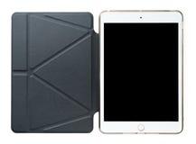Tableta con el caso de cuero Imagenes de archivo