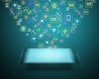 Tableta con la nube de los iconos coloridos del uso libre illustration